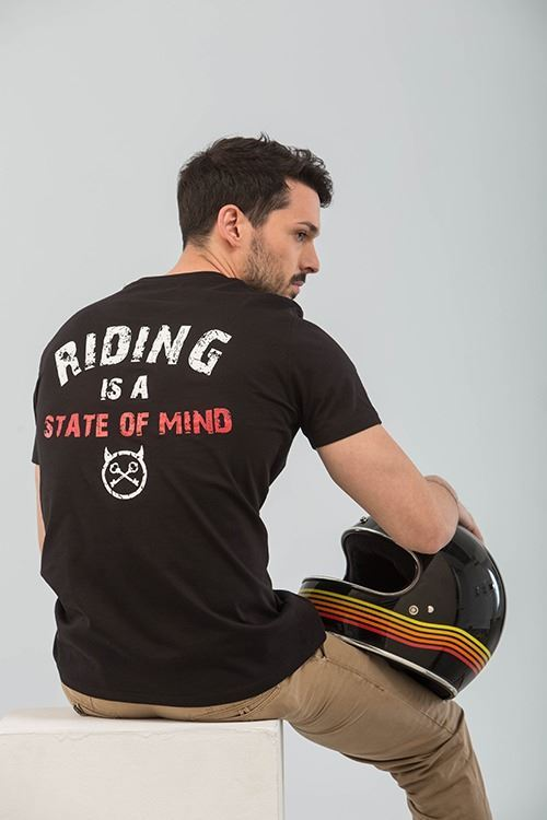 CAMISETA RIDING IS A STATE OF MIND NEGRO